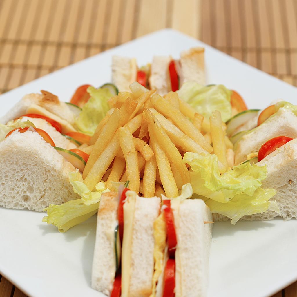 Dining04